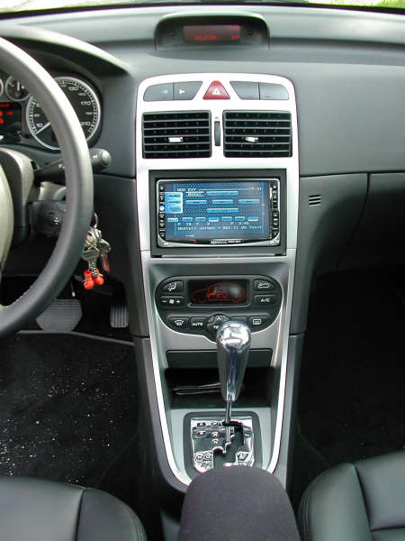 peugeot 307 voir le sujet autoradio double din forum peugeot 307 307cc 307sw. Black Bedroom Furniture Sets. Home Design Ideas